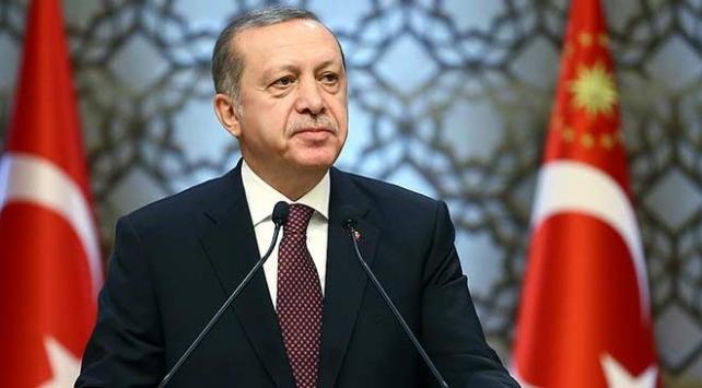 """Cumhurbaşkanı Erdoğan Necip Fazılı """"Canım İstanbul"""" şiiriyle andı"""