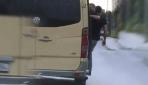 Minibüste tehlikeli yolculuk kamerada