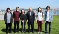 Bakan Varank, ABD'den ödülle dönen öğrencilerle buluştu