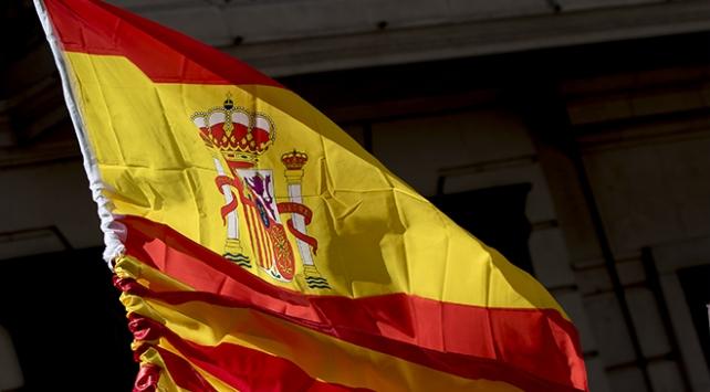 """İspanyada sosyalistlerin """"acı seçim zaferi"""""""