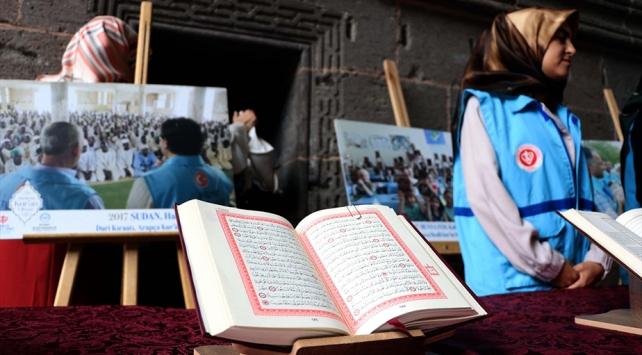27 dilde basılan Kur'anı Kerimler sergilendi
