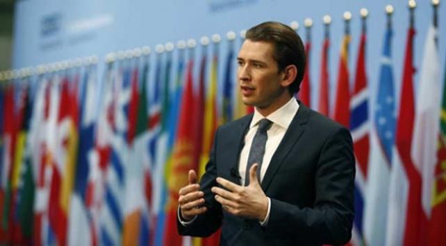 Avusturya Şansölyesi Kurz güven oyu alamadı