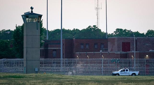 Brezilyada 3 hapishanede 42 mahkum ölü bulundu