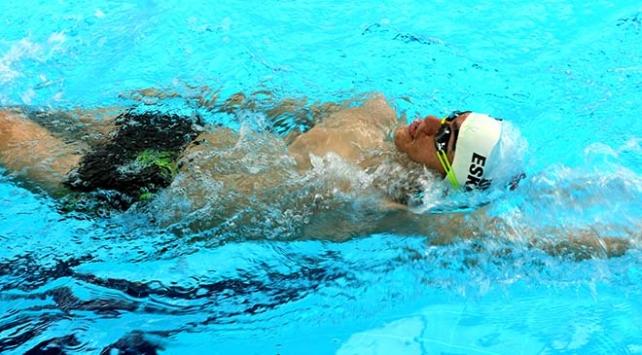 Otizmli yüzücü 3 yıla 28 madalya sığdırdı