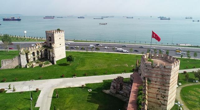 İstanbulun zamana direnen tarihi surları