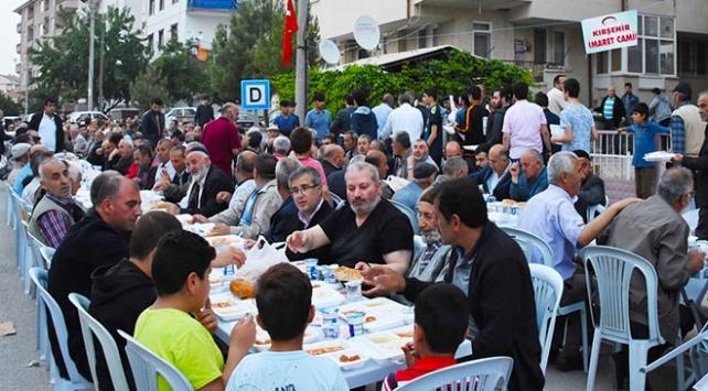 Mahallede 800 yıllık ramazan geleneği