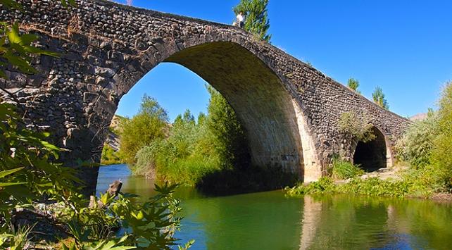 Tarihi Altınlı Köprünün restorasyon çalışmaları bitti