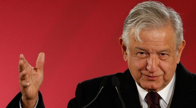 """Meksika Başkanı Obradordan Trumpın """"yasa dışı göçmen"""" vergisine tepki"""
