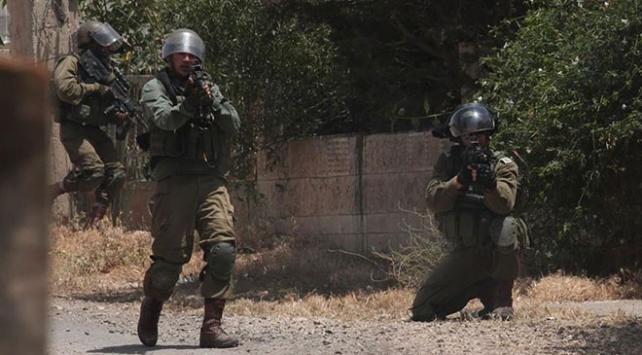 İsrail güçleri Batı Şeria'da 4 Filistinliyi yaraladı