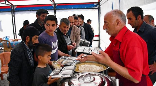 Dededen toruna bir asırdır süren ramazan geleneği