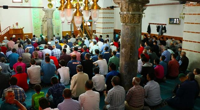 Tarihi camii bin yıldır Müslümanların hizmetinde