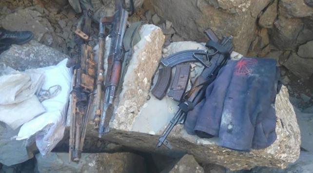 Teröristlerin toprağa gömdüğü silah ve mühimmat bulundu