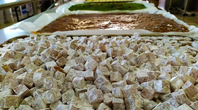 Osmanlı mirası tatlılar bayrama hazırlanıyor
