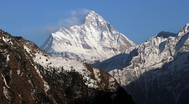 Hindistanda 8 dağcı kayboldu