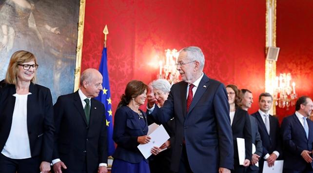 Avusturyada geçici hükümet görevde