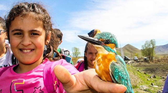 Öğrenciler kuş bilimini doğada öğreniyor