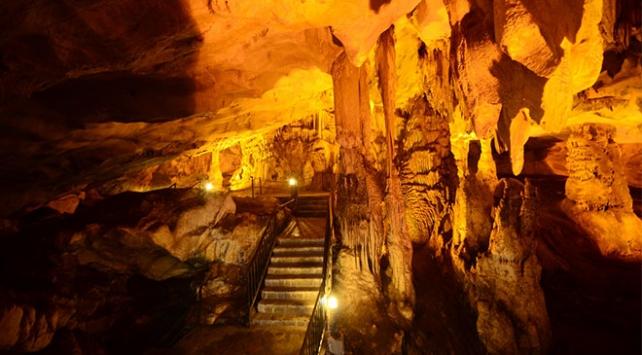 16 tür yarasaya ev sahipliği yapan Dupnisa Mağarası