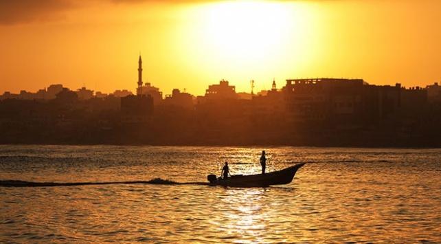 Gazze'de balıkçıların avlanma mesafesi 10 mile düşürüldü