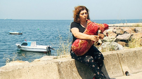 Türkiye'nin ilk kadın tulum sanatçısı