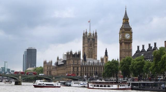 İngilterede başbakan adayları belli oldu