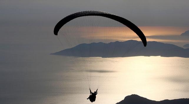 Bayramda 7 bin kişi Babadağda yamaç paraşütü yaptı