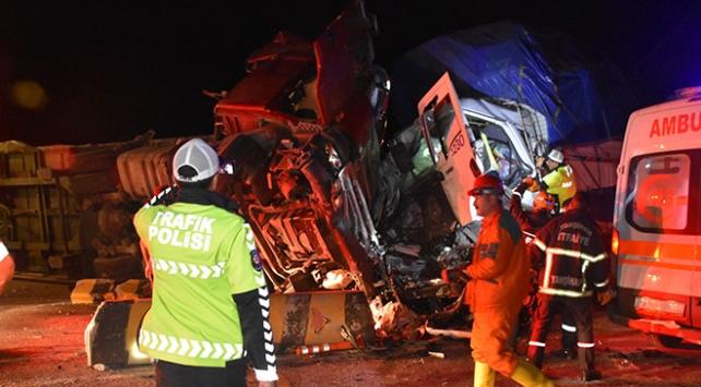 Kırıkkalede trafik kazası: 2 ölü, 16 yaralı