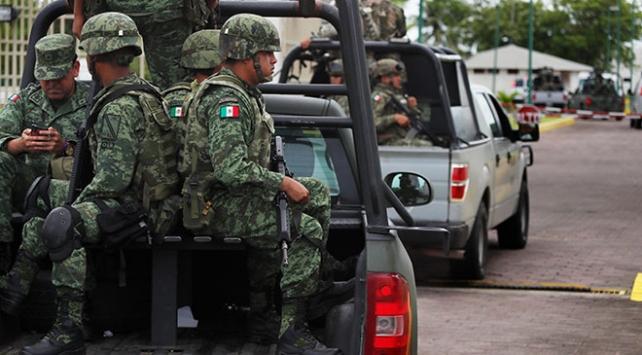 Meksikada ulusal muhafız birlikleri sınırda konuşlandırılmaya başlandı