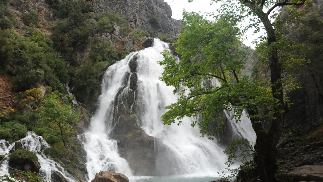 Antalyanın gizli cenneti: Uçansu Şelalesi