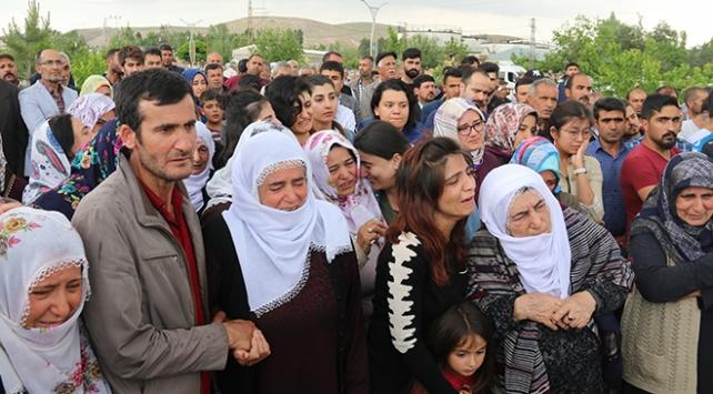 Teröristlerin katlettiği işçilerden geriye 11 yetim kaldı