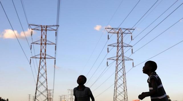"""""""Afrikada 600 milyon kişi elektriksiz"""""""