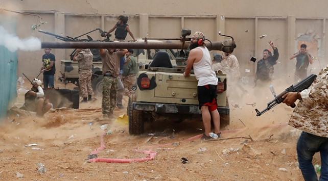 """Libyanın başkenti Trablus için """"yıpratma savaşı"""" sürüyor"""