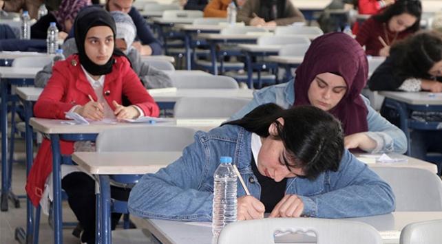 """Yükseköğretim Kurumları Sınavı için """"kimlik kartı"""" hatırlatması"""