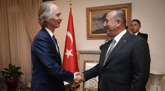 Dışişleri Bakanı Çavuşoğlundan diplomasi trafiği