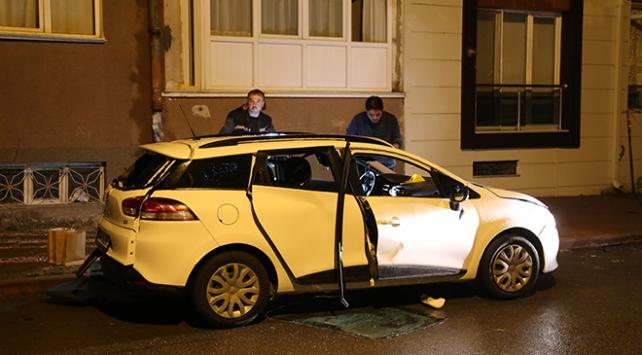 Otomobildeki çakmak gazı tüpleri patladı