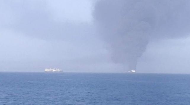 Umman Denizinde 2 petrol tankerinde patlama