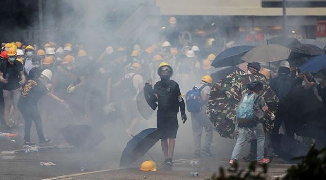 Hong Kongda iade tasarısına karşı on binlerce kişi sokaklara döküldü