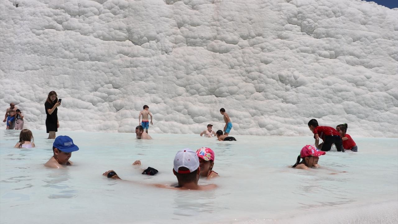 """""""Beyaz cennet"""" bayram tatilinde doldu taştı"""