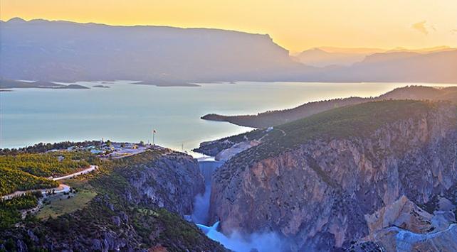 Türkiyenin en yüksek ikinci barajından ekonomiye 1,5 milyar lira katkı