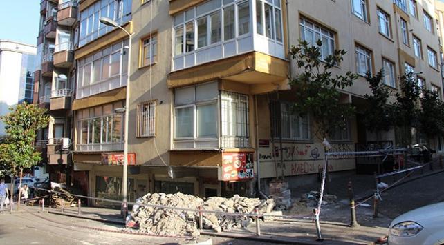 Güngörende yıkılma tehlikesi bulunan bina tahliye edildi