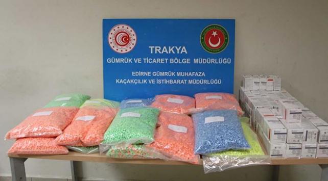 Kapıkulede 486 bin 300 uyuşturucu hap ele geçirildi