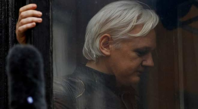Assangeın iade davası gelecek yıl görülecek