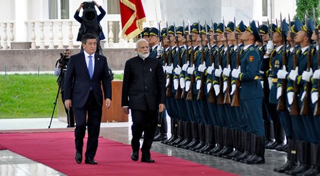 Kırgızistan ile Hindistan ikili ilişkileri geliştirme yolunda