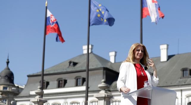 Slovakyanın ilk kadın Cumhurbaşkanı Caputova görev başında