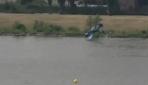 Polonyada gösteri uçağı nehre düştü
