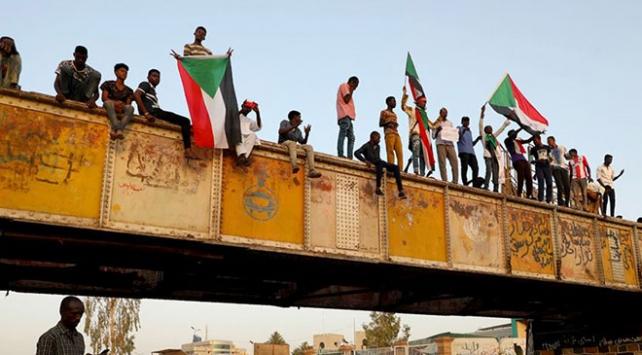 Sudanda askeri yönetim teknokrat hükümeti istiyor