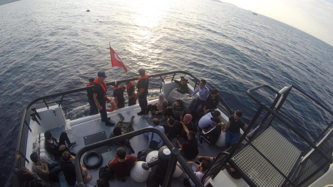 Göçmenleri taşıyan tekne Bodrum açıklarında battı