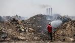 Bağdatta yakılan çöpler hastalıklara davetiye çıkarıyor
