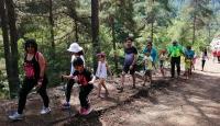 Çocuklara karne hediyesi doğa yürüyüşü