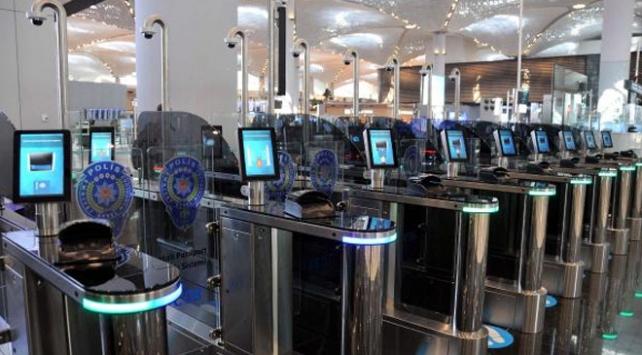 İstanbul Havalimanında 18 saniyede pasaport kontrolü
