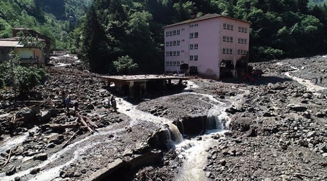 Bakan Soylu: 7 bina selde tamamen yerinden söküldü